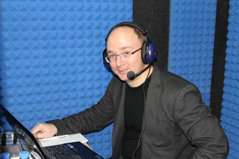 синхронный перевод в студии Life